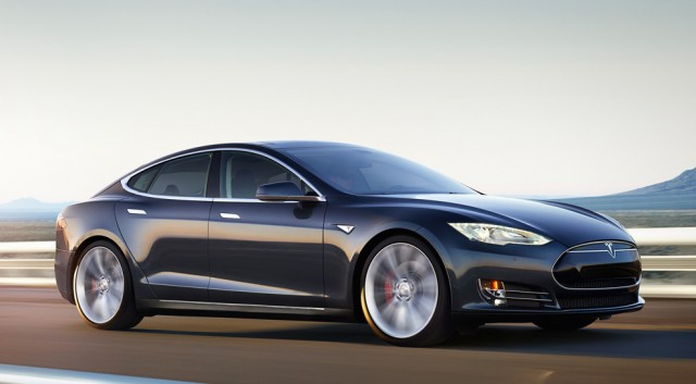 tesla-model-s-road-black-640x353