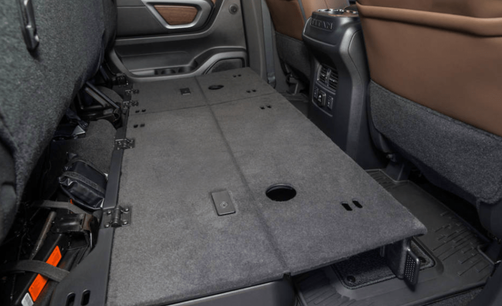Cars for pet lovers: Nissan Titan Crew Cab